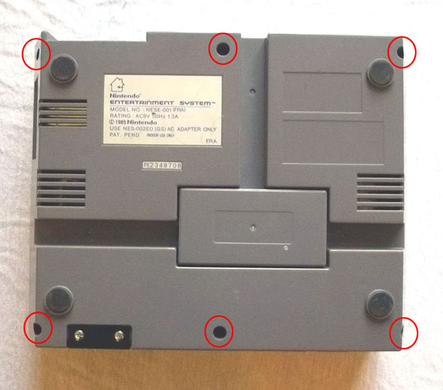 une photo dessous dezonage nintendo nes